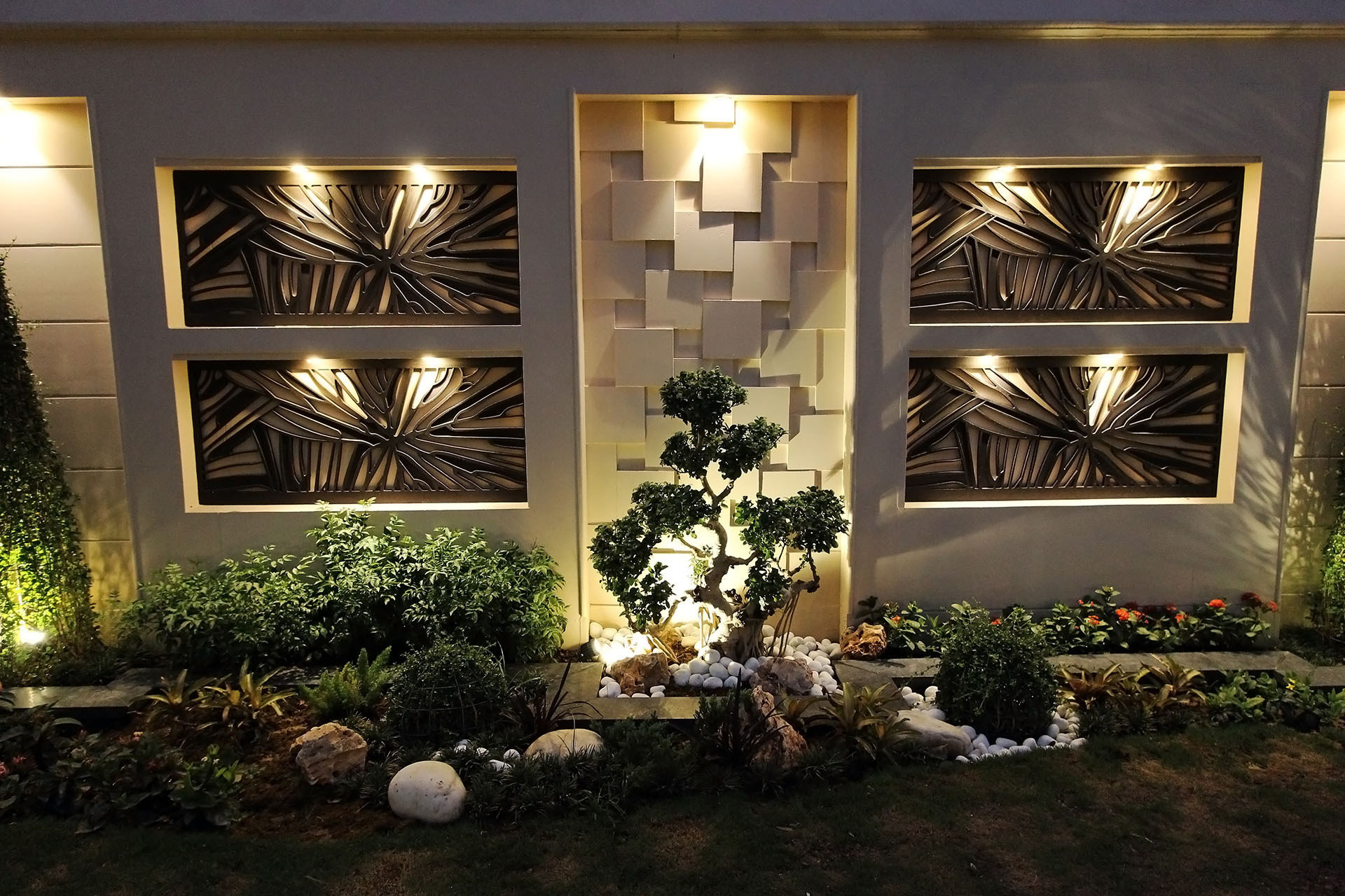 ParnaGrah - The Green Outhouse - Feature wall design