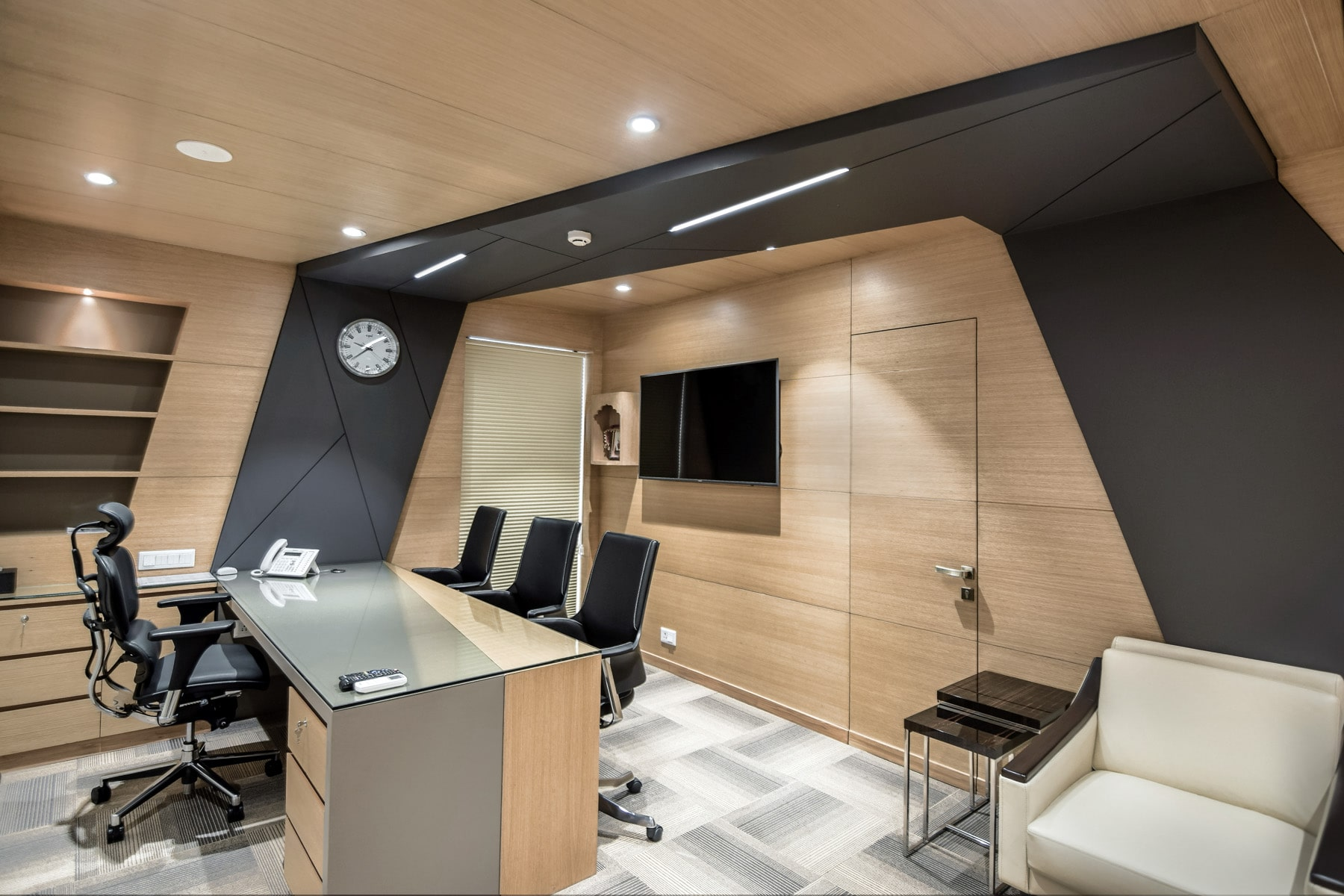 Director room of aakash institute by Conarch Architects